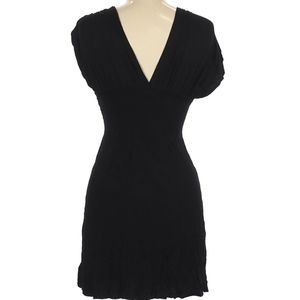 🖤 Super Soft, Sexy & Simple deep V dress ✨